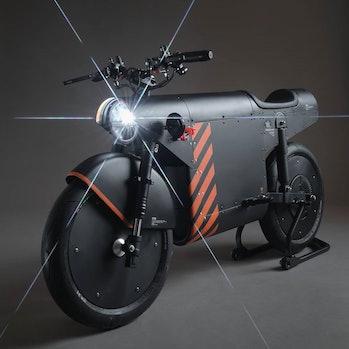 Katalis EV.1000 electric motorcycle three-quarter view