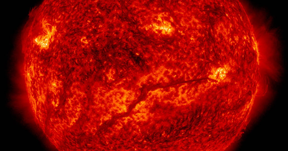 The science behind that solar flareup headed for Earth's magnetic field