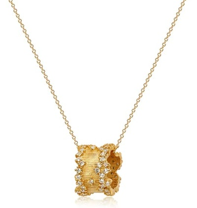 Valloey Rover Gold Star Necklace