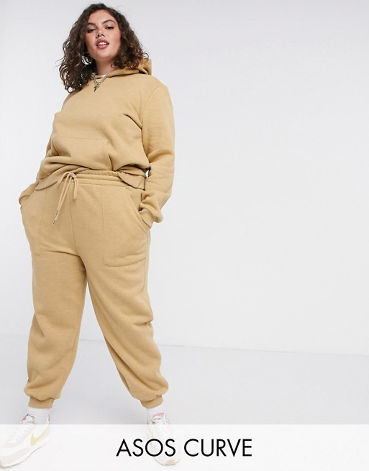 ASOS Design Curve Premium Tracksuit Hoody / Basic Jogger with Pocket Details in Neppy in Sand