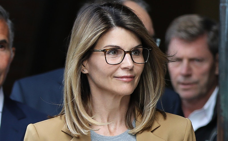 Lori Loughlin arrives at court for college admissions case