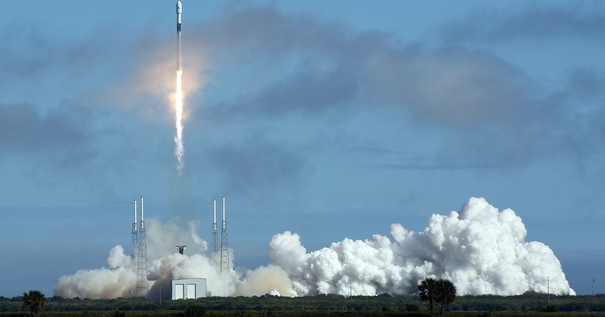 SpaceX: Elon Musk breaks down the costs of reusable rockets