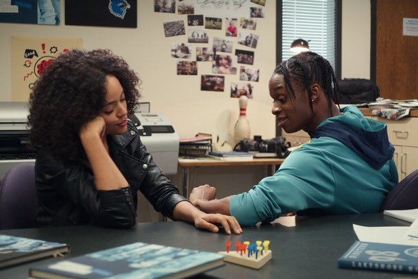 TRINKETS (L to R) QUINTESSA SWINDELL as TABITHA and AUSTIN CRUTE as MARQUISE in episode 205 of TRINKETS Cr. COURTESY OF NETFLIX © 2020