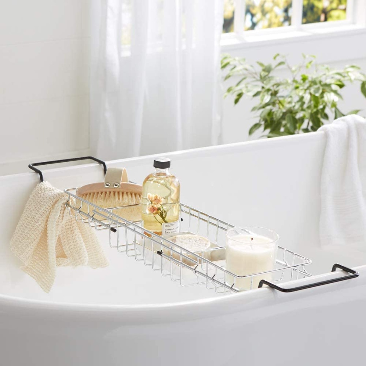 AmazonBasics Wire Bathtub Caddy Tray