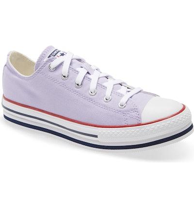 Chuck Taylor All Star Low Top Platform Sneaker in Moonstone Violet