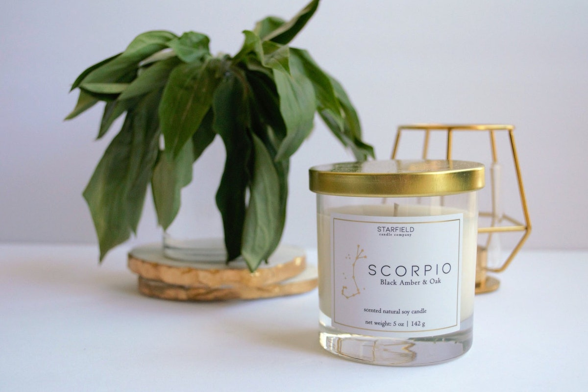 Scorpio   Black Amber & Oak   Zodiac Natural Soy Candle
