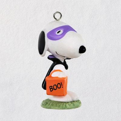 Snoopy Hallmark Mini Figurine Ornament
