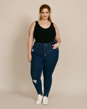 Good Waist with Exposed Buttons