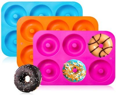 Gezan Silicone Donut Baking Pan (3-Pack)