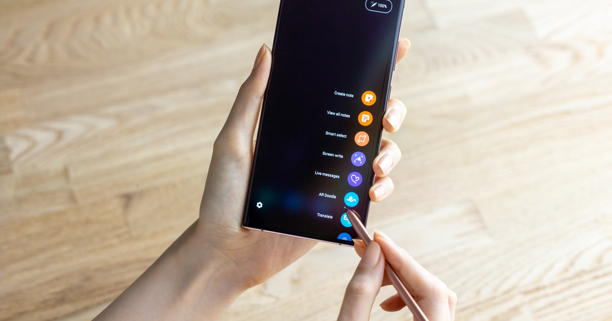 The New Galaxy Note 20 S Pen Includes A Touchless Navigation That Works Like Magic