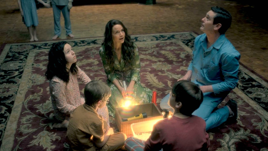 Behind-the-scenes facts about 'The Haunting of Hill House' reveal just how much detail went into the show.