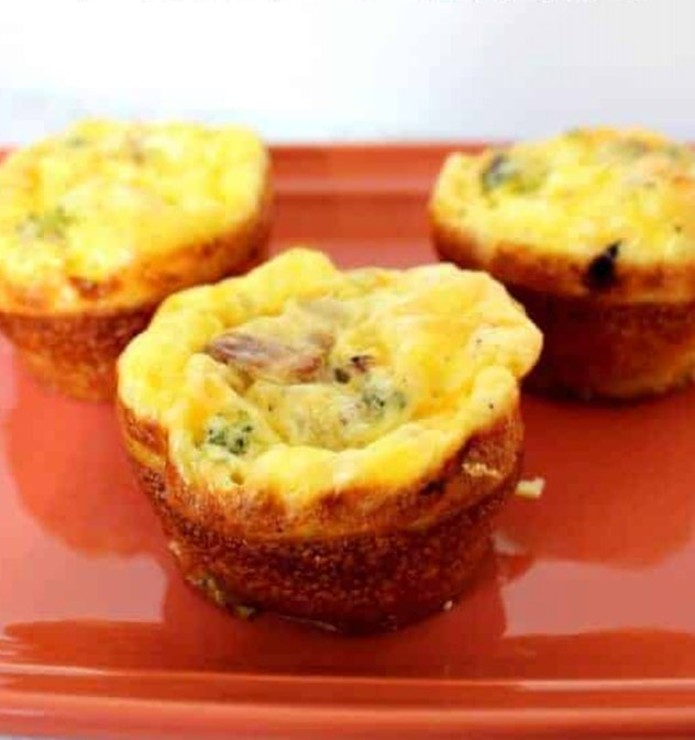 Closeup image of omelet muffin on red plate