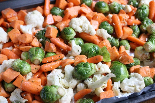 Close up of a pan full of mixed roasted veggies