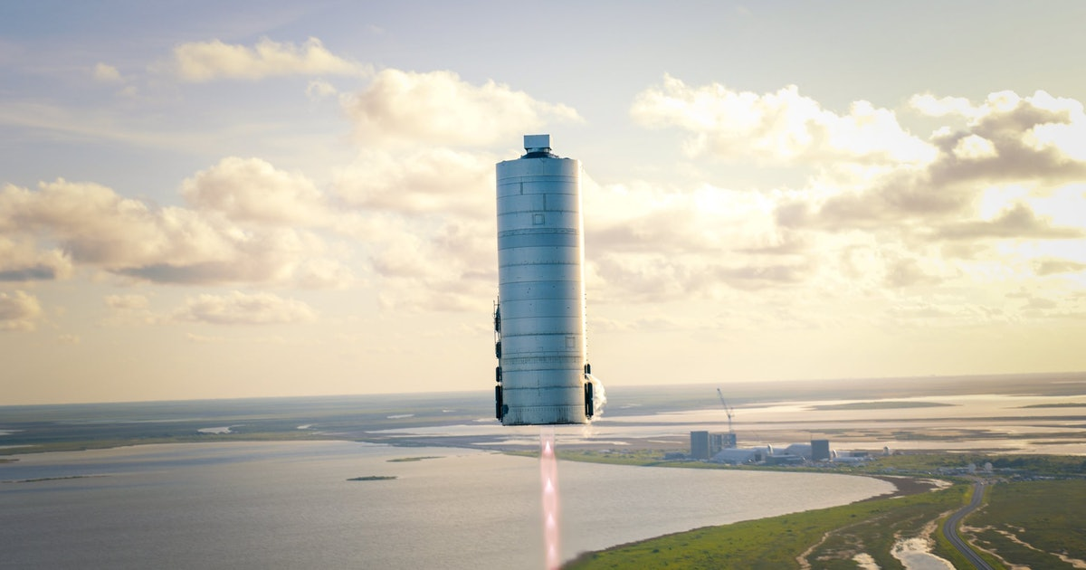 SpaceX Starship: jaw-dropping images capture the shiny prototype in flight