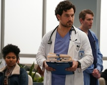 Giacomo Gianniotti teases a time jump in Season 17 to accommodate coronavirus storyline.