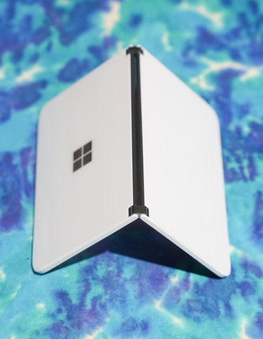 Surface Duo review hinge