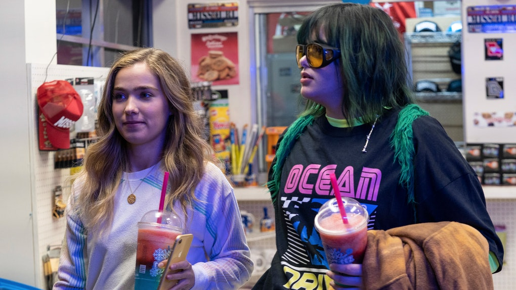 Haley Lu Richardson and Barbie Ferreira in Rachel Lee Goldenberg's 'Unpregnant'