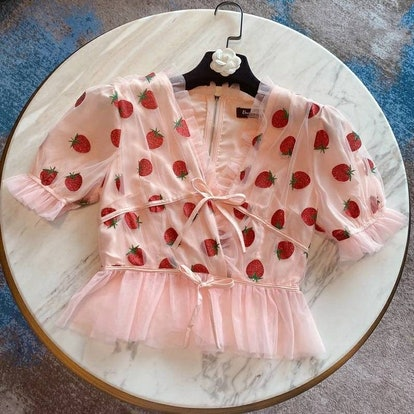 peachmilkbaby Strawberry Top