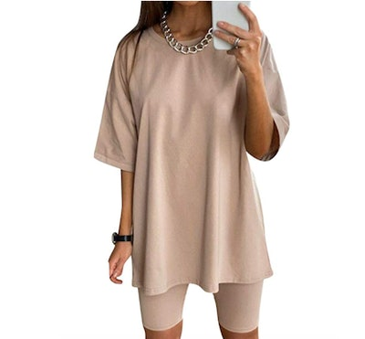 Glamaker Oversized T-Shirt Outfit