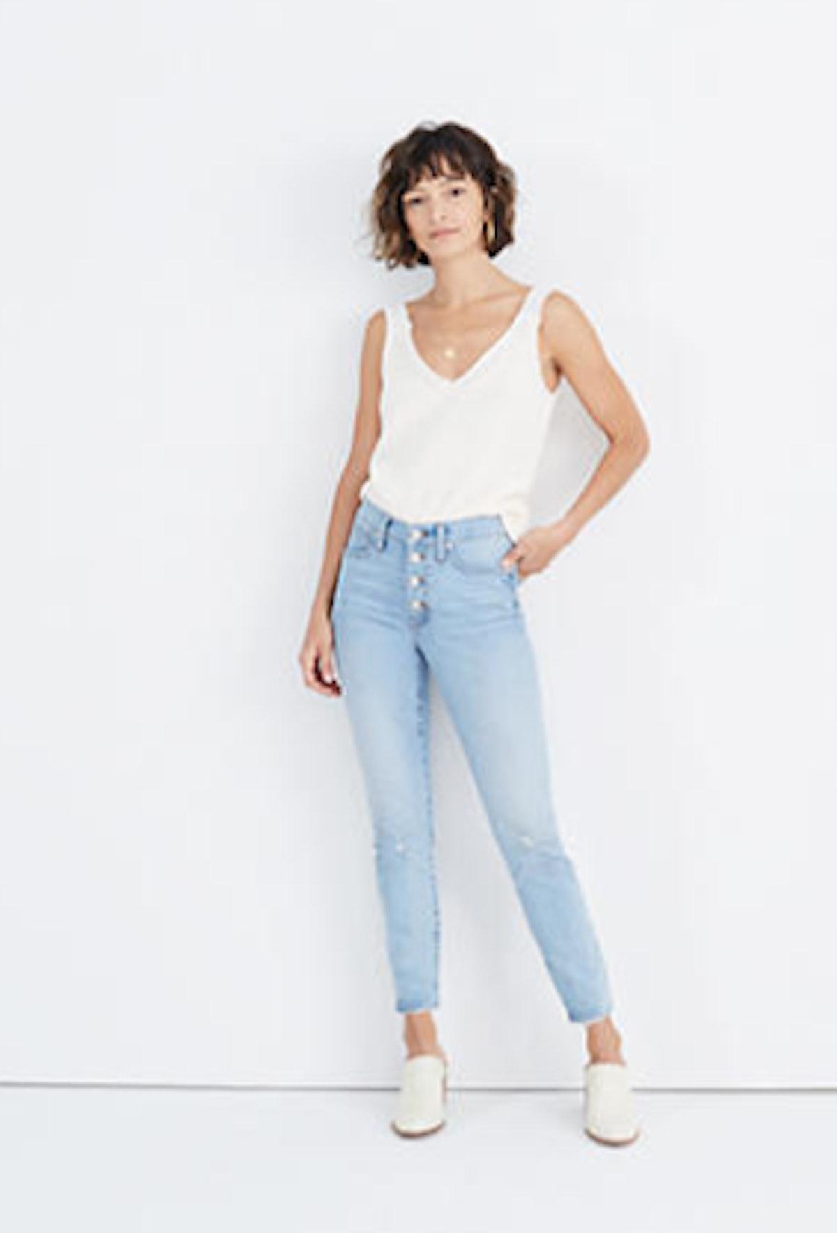 Mid-Rise Skinny Crop Jeans in Asbury Wash