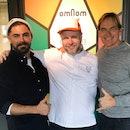 Zac Efron and Darin Olien with Omnom chocolate co-founder Kjartan Gíslason.
