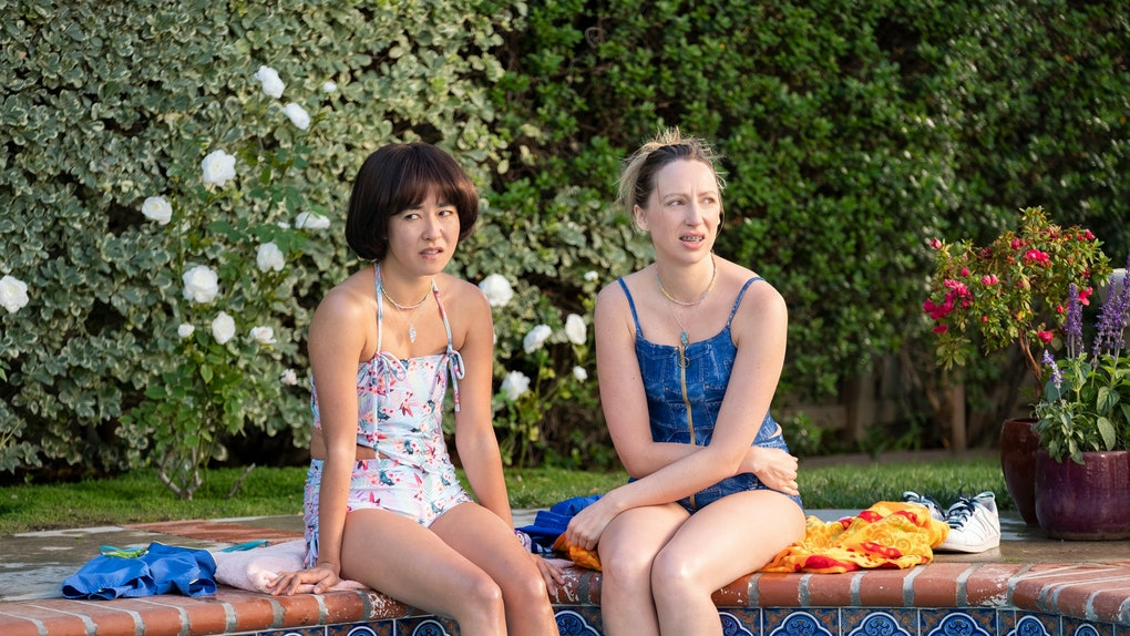 Maya Erskine and Anna Konkle in 'Pen15'
