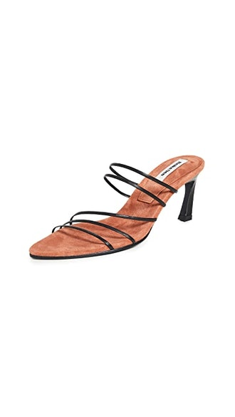 Five Strings Pointed Sandals