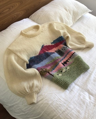 Vintage Hand Knit Puffed Sleeve Farm Scenic Sweater