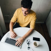 4 long-term tips to avoid burnout while living online