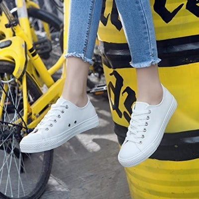 AOMAIS PU Leather Low Top Sneakers