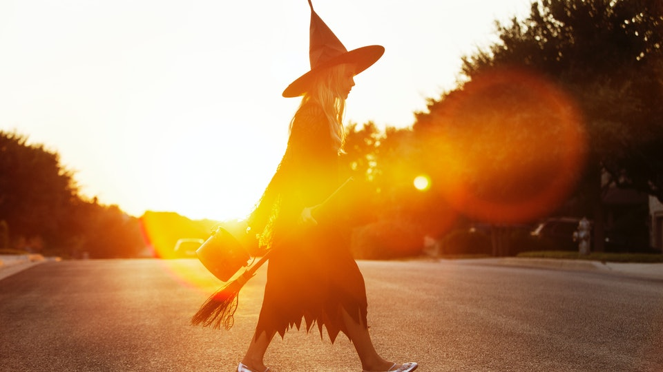 Experts answer all your questions about trick-or-treating this year.