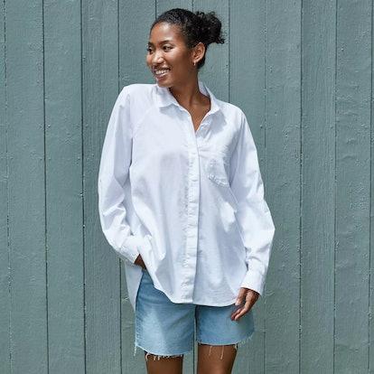 Universal Thread Women's Long Sleeve Button-Down Boyfriend Shirt