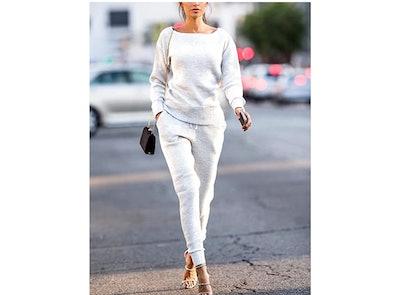 Uni Clau Knit Outfit