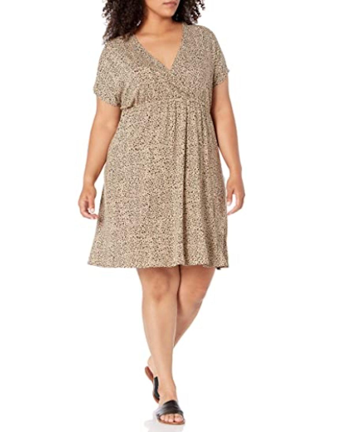 Amazon Essentials Women's Plus Size Surplice Dress
