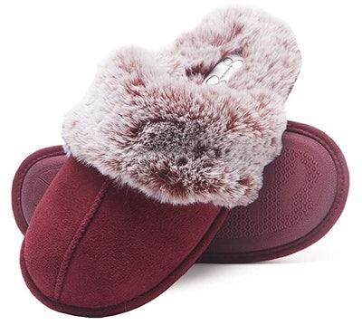 Jessica Simpson Comfy Faux Fur House Slipper