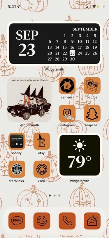 These new iOS Home screen ideas for Halloween include cute witches.