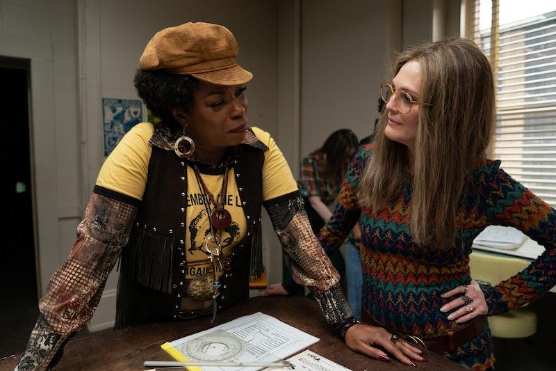 The Glorias' Trailer Transforms Julianne Moore Into Gloria Steinem