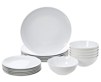 AmazonBasics Dinnerware Set (18-Piece Set)