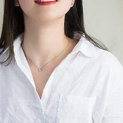 CIShop Tiny Moon Necklace