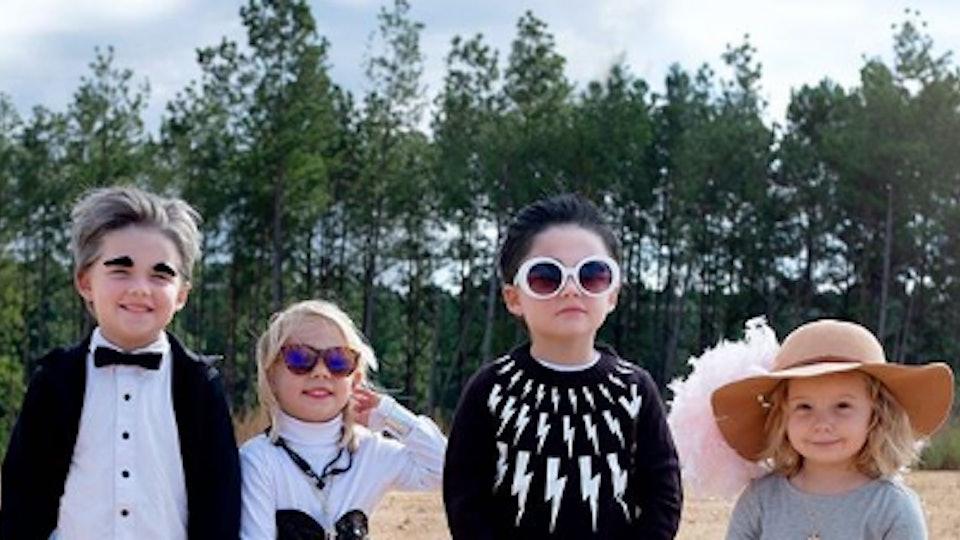 A mom dressed four kids up as the cast of 'Schitt's Creek.'