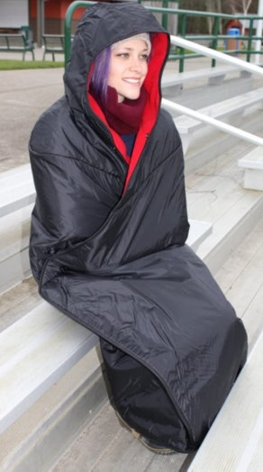 Mambe Extreme Weather Hooded Blanket