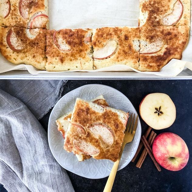 apple sheet pan pancakes
