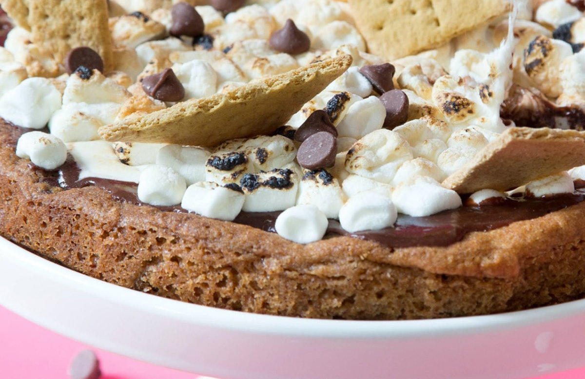 XL S'mores Cookie Pizza with Bake It With Mel
