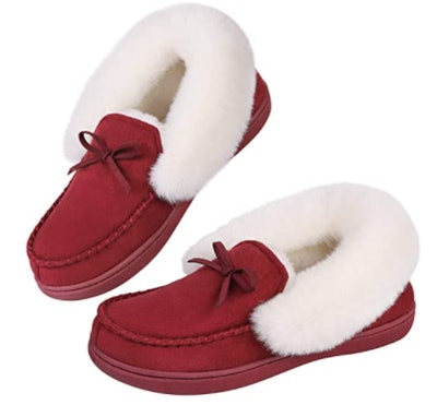 HomeIdeas Faux Fur-Lined Suede Moccasin Slippers