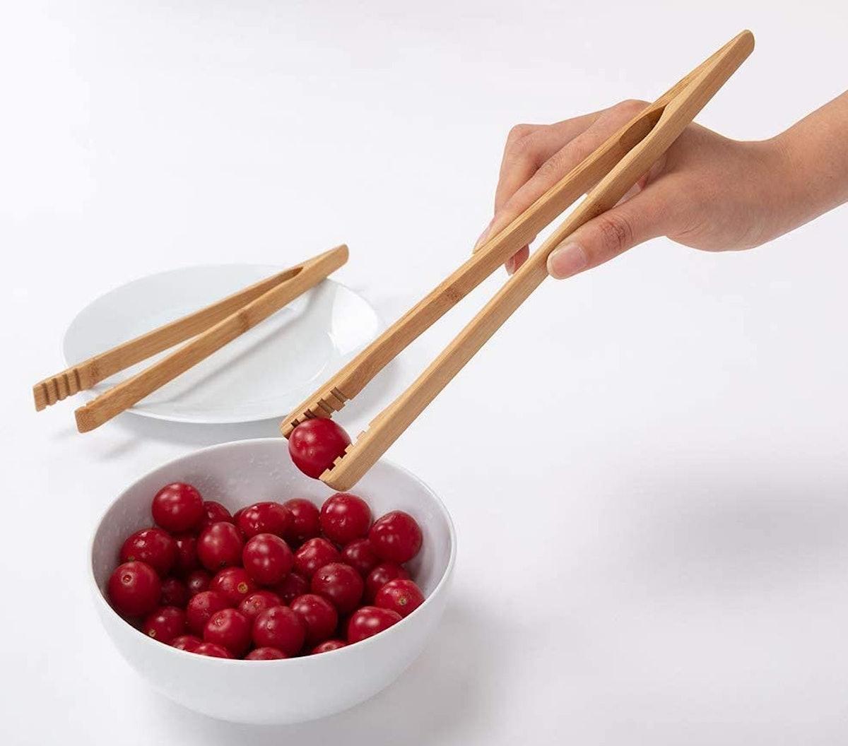 DUJEN Bamboo Tongs (2-Pack)