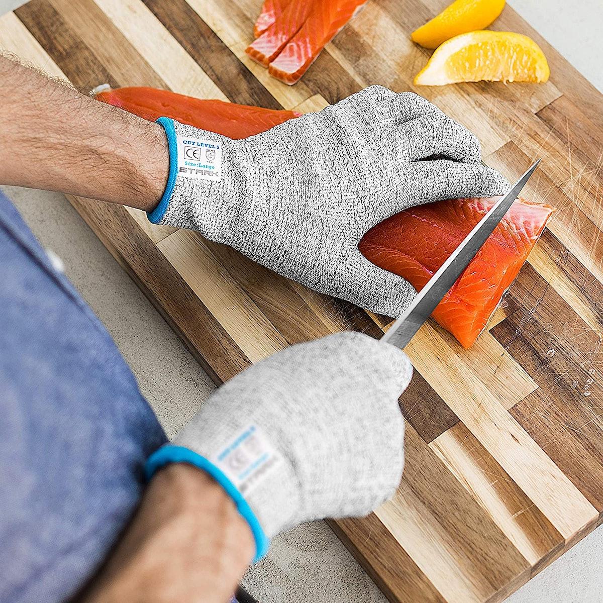 Stark Stay Safe Cut-Resistant Gloves