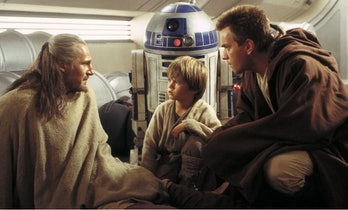 Liam Neeson Jake Lloyd Ewan McGregor Kneeling Phantom Menace