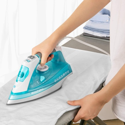 BEAUTURAL 1,800-Watt Steam Iron