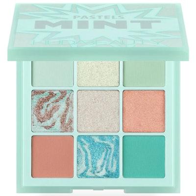 Huda Beauty Pastel Obsessions Eyeshadow Palette