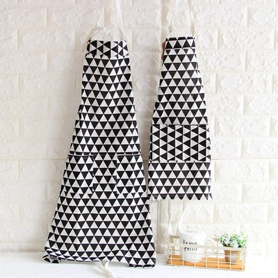 Matching Aprons With Pockets